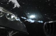 Geseke – Schwarzen BMW massiv beschädigt