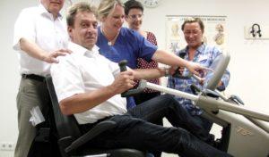 Neheimer Fördervereine des Klinikum Arnsberg bringen Patienten und Bewohner in Bewegung