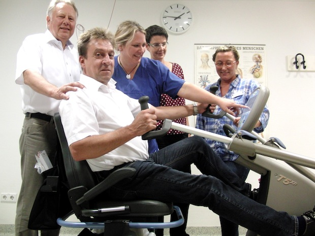 Photo of Neheimer Fördervereine des Klinikum Arnsberg bringen Patienten und Bewohner in Bewegung