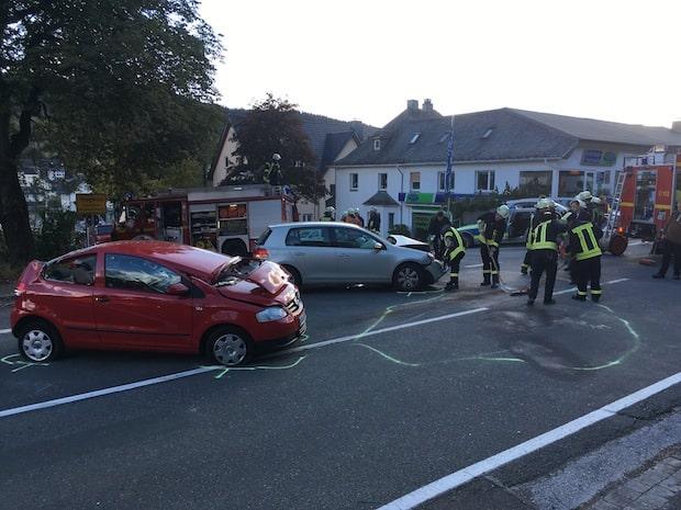 Photo of Brilon – 6 Verletzte bei schwerem Verkehrsunfall in Hoppecke