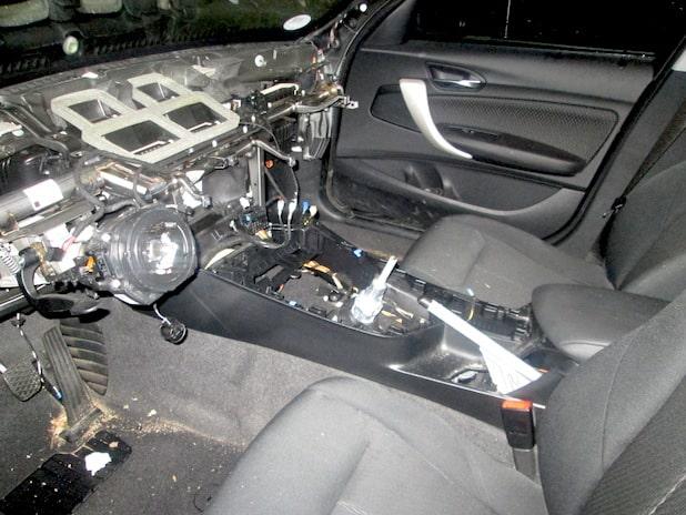 Photo of Hagen: Zwei BMW ausgeschlachtet – Täter entkommen