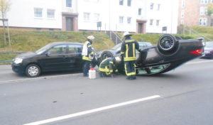 Hagen: Schwerer Unfall in Wehringhausen – Fahrzeug überschlägt sich