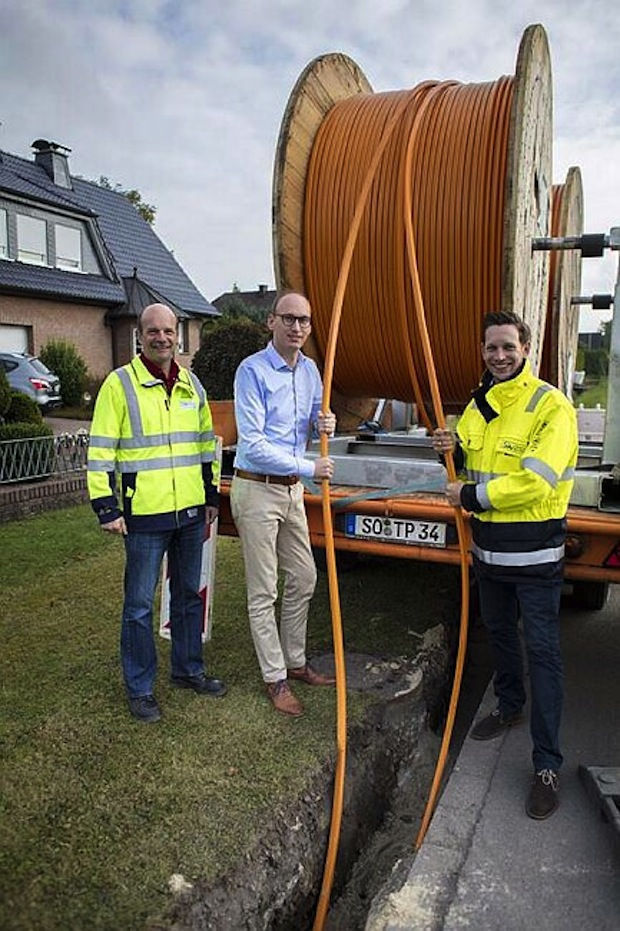 Photo of Mit High-Speed ins Internet: Stadtwerke Werl schaffen Glasfasernetz in Westhilbeck