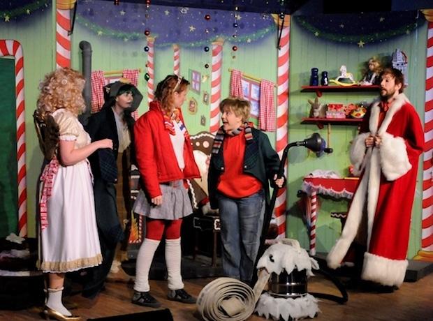 """Photo of """"Als der Weihnachtsmann vom Himmel fiel"""" von Cornelia Funke – Eine funkelnde Weihnachtsabenteuergeschichte"""