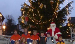 Kinder in Hilchenbach aufgepasst: Wir basteln für den Weihnachtsbaum!