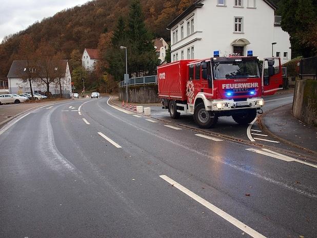 Photo of Schalksmühle: Großflächige Ölspur beschäftigt Feuerwehr siebeneinhalb Stunden