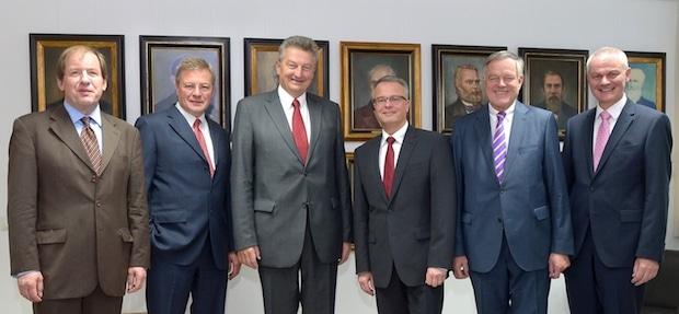 Photo of Siegen – Jost Schneider neuer Vizepräsident der IHK Siegen
