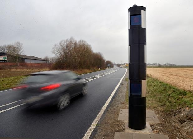 Photo of Kreis Soest – Geschwindigkeitsmessanlage an der B 475 erneuert
