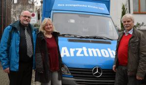 Hagen – Pfarrer i.R. Martin Oestreicher spendet für Arztmobil von Luthers Waschsalon