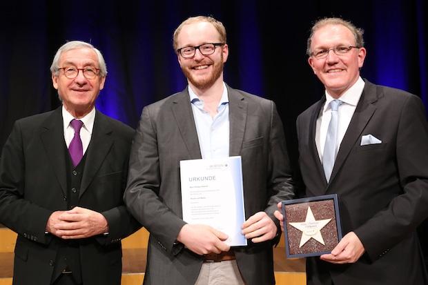 Photo of Ausgezeichnet! Krombacher Azubi Marc-Philipp Hütwohl ist Landesbester Jung-Brauer
