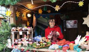 Gemütliche Stimmung im Weihnachtsdorf des Klinkums Lüdenscheid
