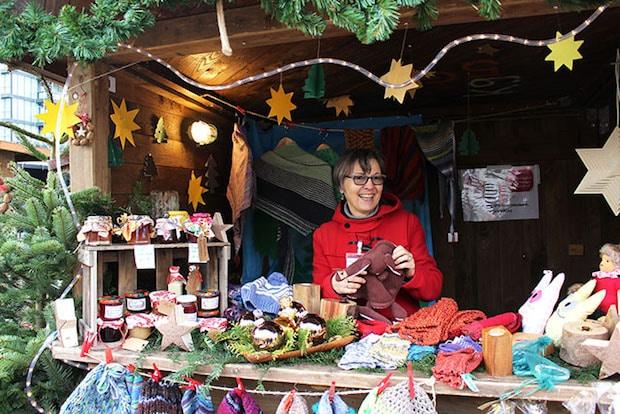 Photo of Gemütliche Stimmung im Weihnachtsdorf des Klinkums Lüdenscheid