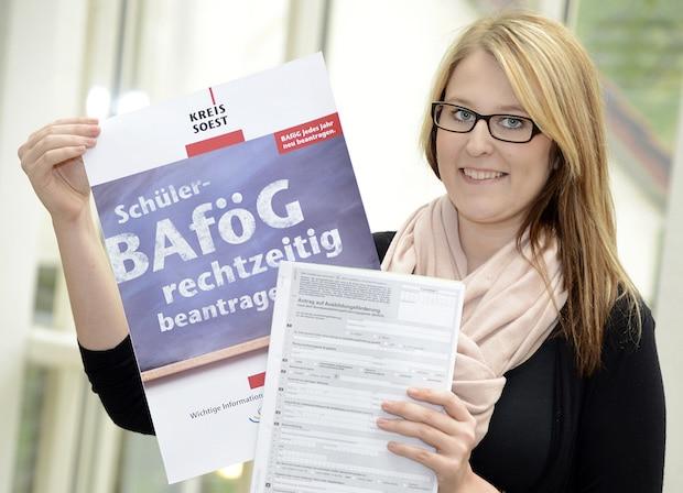 Photo of Schüler-BAföG: Kreis Soest zahlte 4,6 Mio. Euro aus – 1.112 Auszubildende profitierten im Jahr 2016