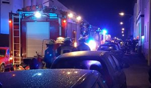 Arnsberg: Feuerwehrmann aus der Nachbarschaft hilft bei Brand