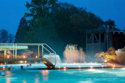 <b>Entspannung pur bis Mitternacht: Mitternachtsschwimmen in der SoleTherme in Bad Sassendorf</b>