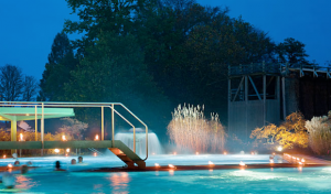 Entspannung pur bis Mitternacht: Mitternachtsschwimmen in der SoleTherme in Bad Sassendorf