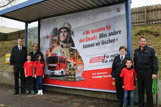 Photo of Menden: Kampagne zur Nachwuchsgewinnung: Plakate und Aktionen werben für den Dienst in der Feuerwehr