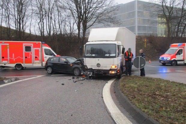 Photo of Hagen – Unfall mit LKW – Person verletzt