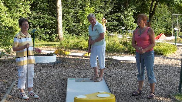 Photo of Hilchenbach: Hilchenbacher Minigolfsaison startet