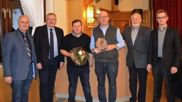 Foto von der Kreismusikverband Jahreshauptversammlung -Von links: Hermann-Josef Plassmann, Landrat Frank Beckehoff, Tobias Brömme, Volker Eberts, Herbert Tillmann und Peter Hebbecker.