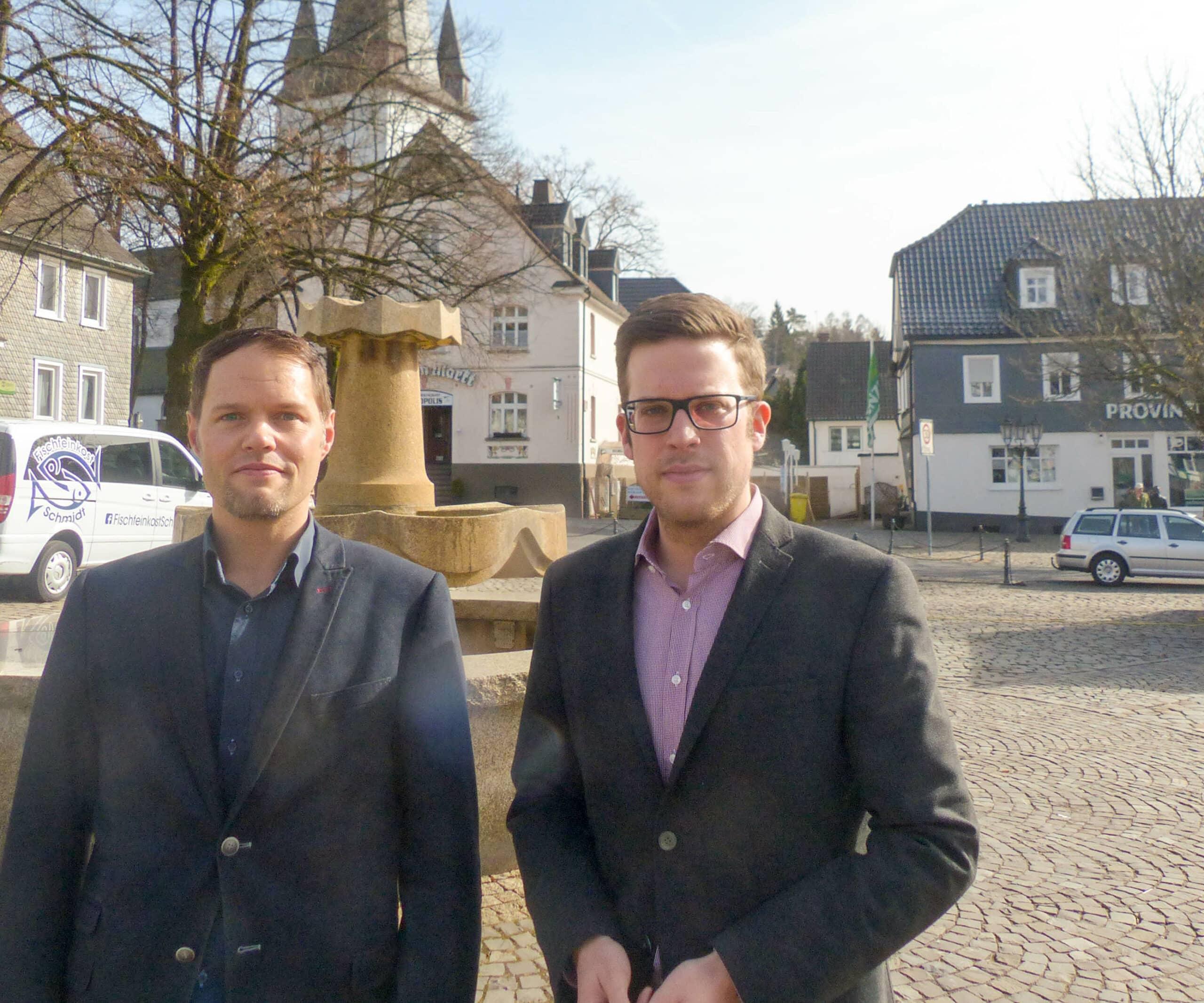 Fordern eine eigene Rettungswache für Drolshagen: Michael Köhler (links) und Florian Müller (rechts) vom CDU Stadtverband Drolshagen.