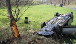 Arnsberg: Lkw drängt Auto von Fahrbahn und flüchtet