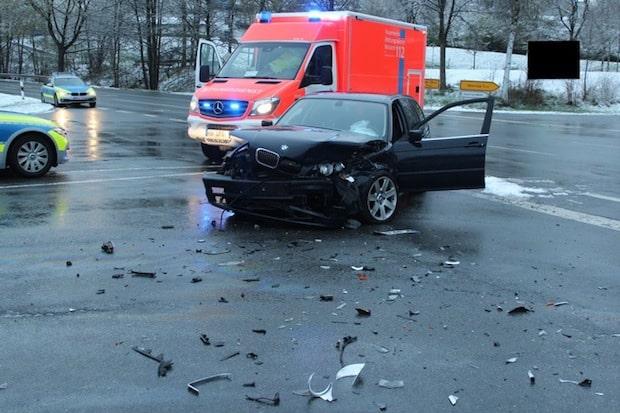 Photo of Schmallenberg: Verkehrsunfall mit zwei Schwerverletzten