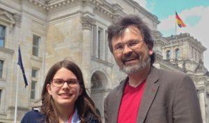 """René Röspel lädt Hagener Schülerin zum """"Girls' Day"""" nach Berlin ein"""