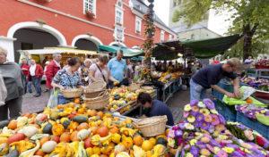 Soester Bördebauernmarkt lockt am ersten Septembersonntag zum farbenfrohen Altstadtbummel