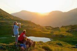 <b>Paradies zwischen Bergen und Seen – Wo die Urlaubswünsche der ganzen Familie wahr werden</b>