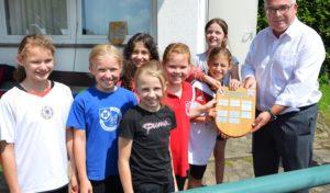 Olsberg – Sportlicher Wettbewerb und Austausch: Kleine Sportler machen ihre Größten aus