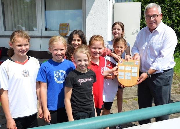 Photo of Olsberg – Sportlicher Wettbewerb und Austausch: Kleine Sportler machen ihre Größten aus