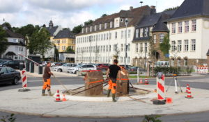 "Attendorn – ""Hucken-Kunst"" im Kreisverkehr"