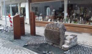 """""""Ort des Erinnerns"""" – Feierlichkeit in der Hochstraße Menden"""
