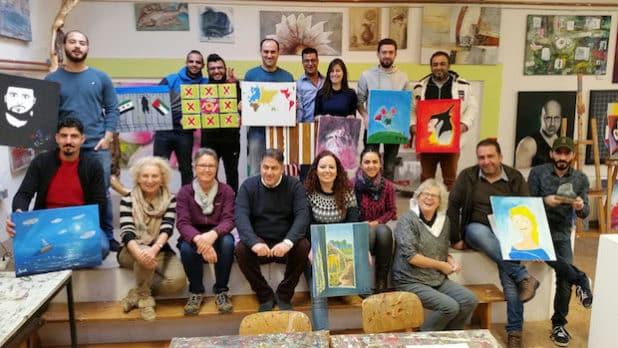 Iserlohn - Kunstwerke bei der Weihnachtsausstellung der Kunstfabrik casa b