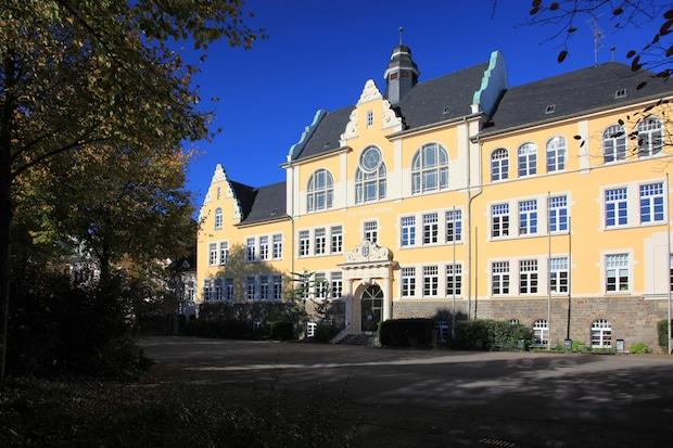 Photo of Attendorner Gymnasien kehren zu G9 zurück