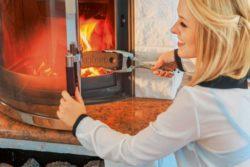 <b>Wer mit Kamin und Ofen heizt sollte einige Regeln beachten</b>