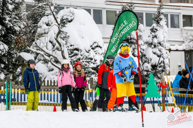 Winterberg - Ab auf die Bretter: Riesengroßer Schneespielplatz für Pistenzwerge