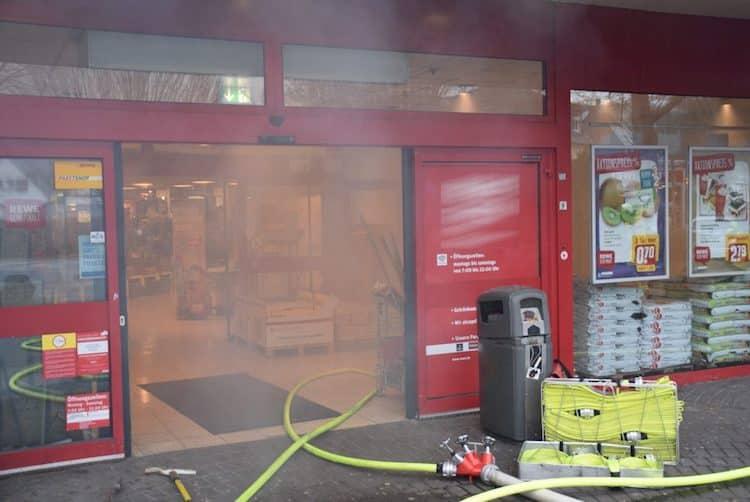 Photo of Brandeinsatz für die Attendorner Feuerwehr in Verbraucher-Markt endet glimpflich