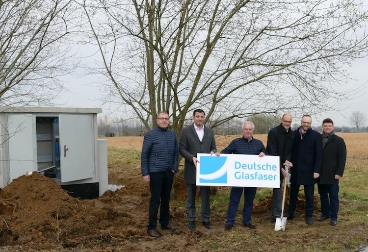 """Photo of Start des Glasfaserausbaus im Gewerbegebiet """"Am Wasserturm"""""""