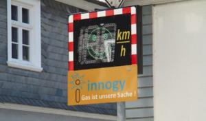 Drolshagen mit neuer Geschwindigkeitsanzeigetafel
