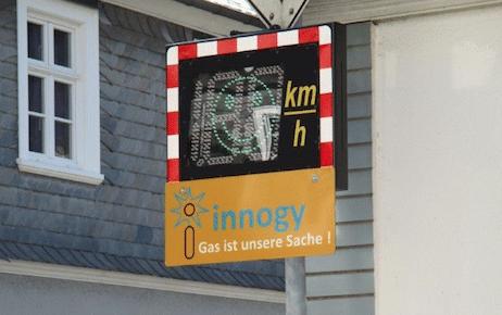 Photo of Drolshagen mit neuer Geschwindigkeitsanzeigetafel