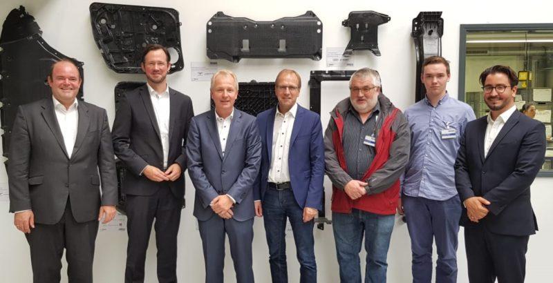 Photo of Dirk Wiese bei Bond Laminates zu Besuch