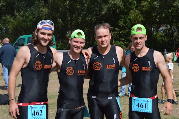 Photo of Attendorner Oberligateam beim Triathlon in Riesenbeck am Start