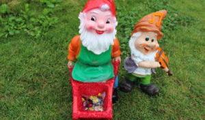 Sommerliche Dekorationsideen für den Gartenteich