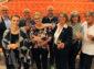 Ein Prosit auf 40 Jahre Theater in Wilnsdorf: Gefühlvolle Komödie eröffnet Spielzeit