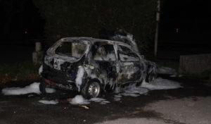 Gestohlener Opel stand in Flammen