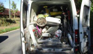 Kleintransporter ohne Ladungssicherung