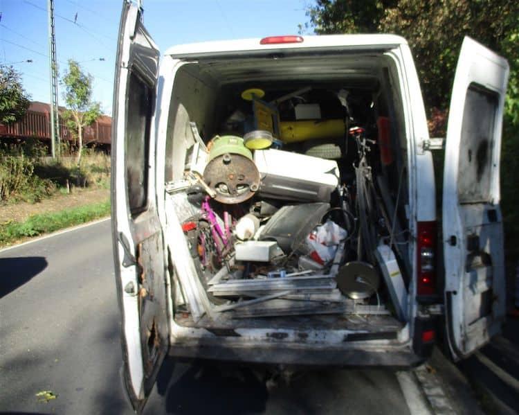 Photo of Kleintransporter ohne Ladungssicherung