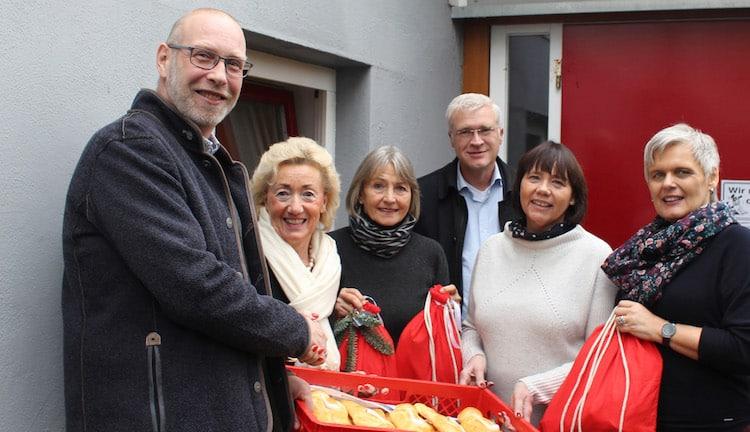Photo of Nikolausaktion – Gutscheine, Mützen und mehr für die Bedürftigen